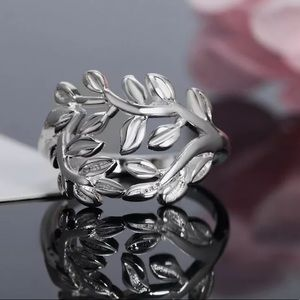 Jewelry - Sterling Silver Perfect Double Vine Ring